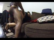 Fru fångas i handling hon gör sex med en svart älskare
